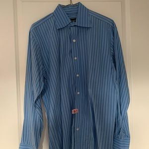 MEDIUM Men's Long-Sleeved Button-Up